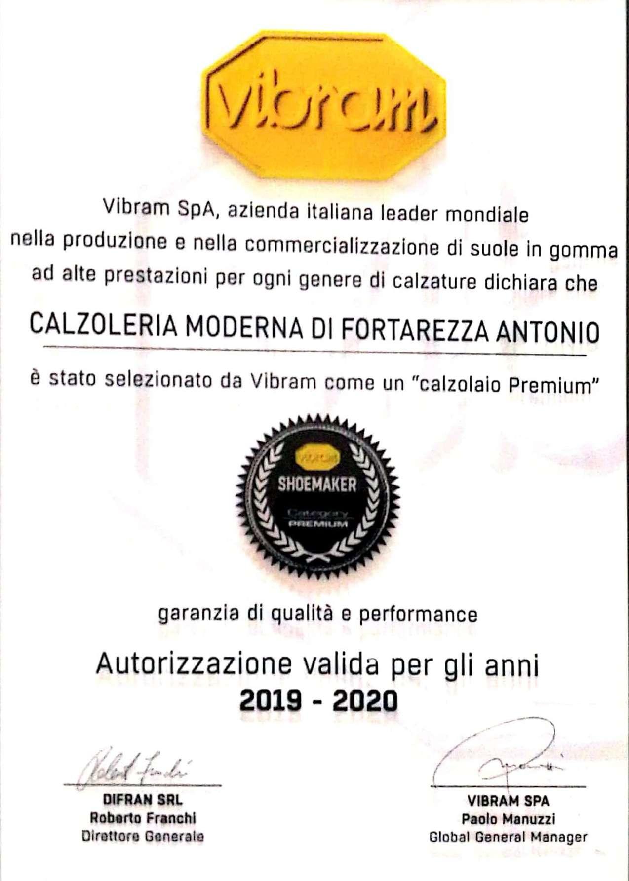 Calzoleria moderna: lavaggio scarpe e borse a Milano